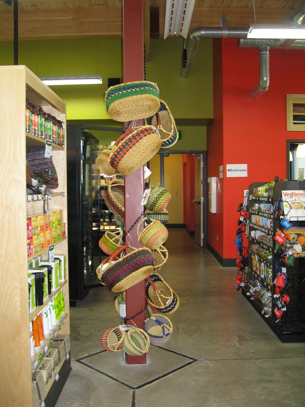 Chain displays allow stores to maximize their merchandising space