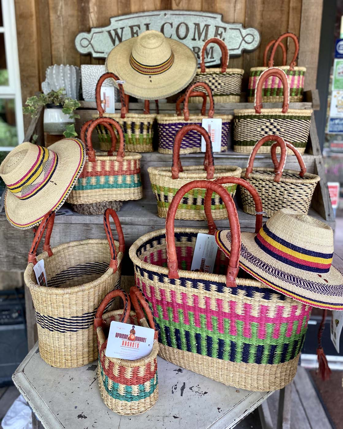 Baskets adapt to any type of display